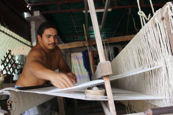 artesano de hamacas