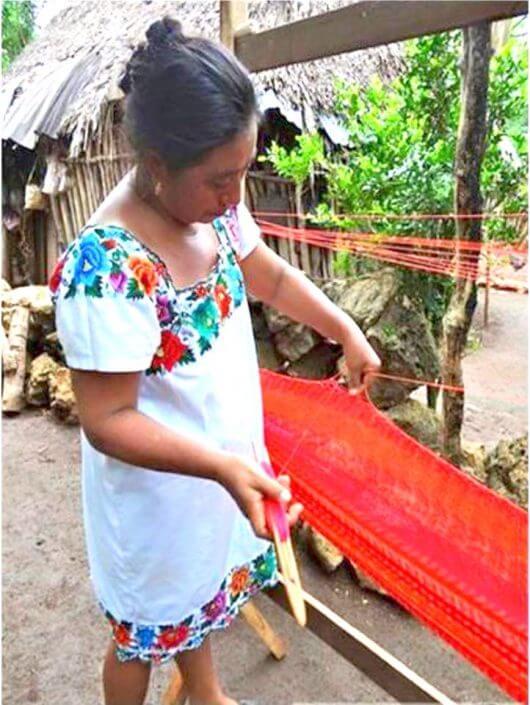 artesana de hamacas